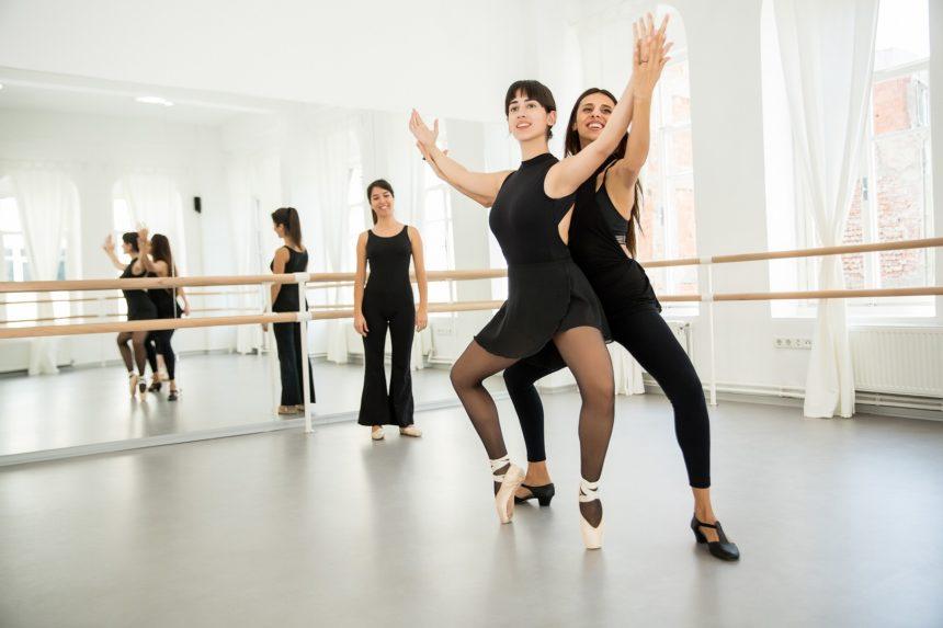 Studio Adult Ballet Group Course
